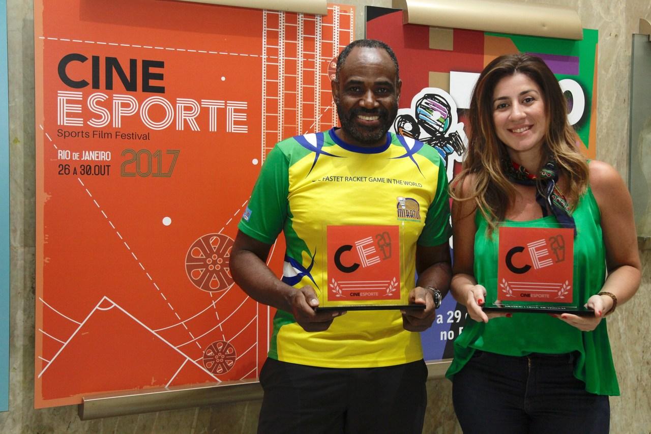 Sebastião Dias e Thaiane Frade recebem premiação